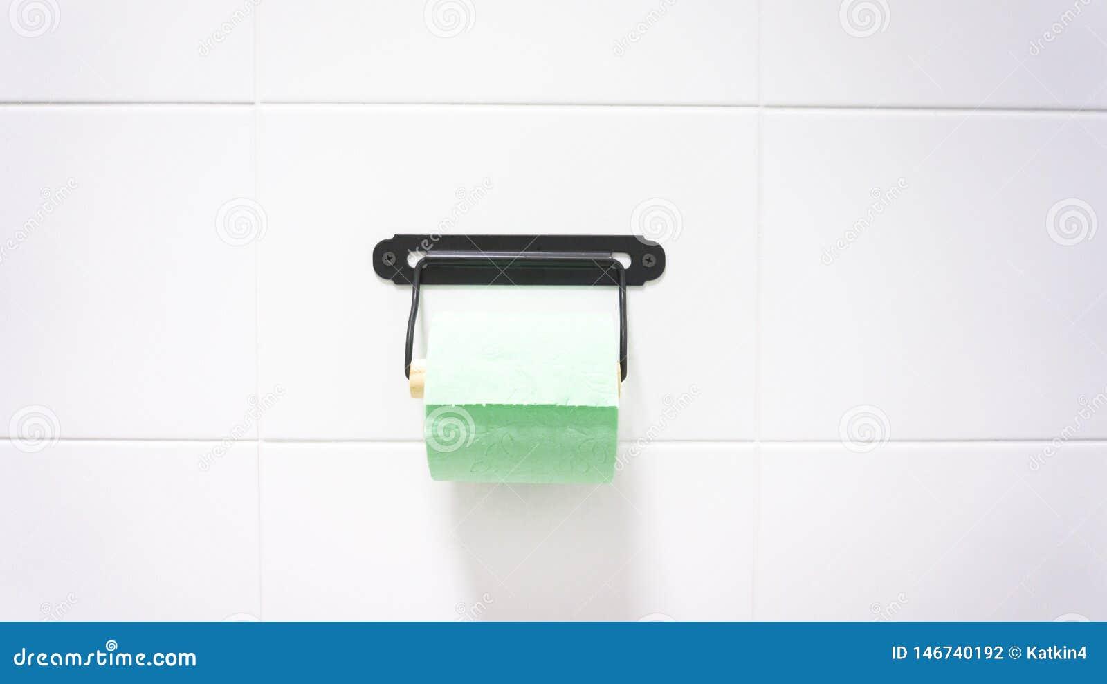 Een groen broodje van zacht toiletpapier