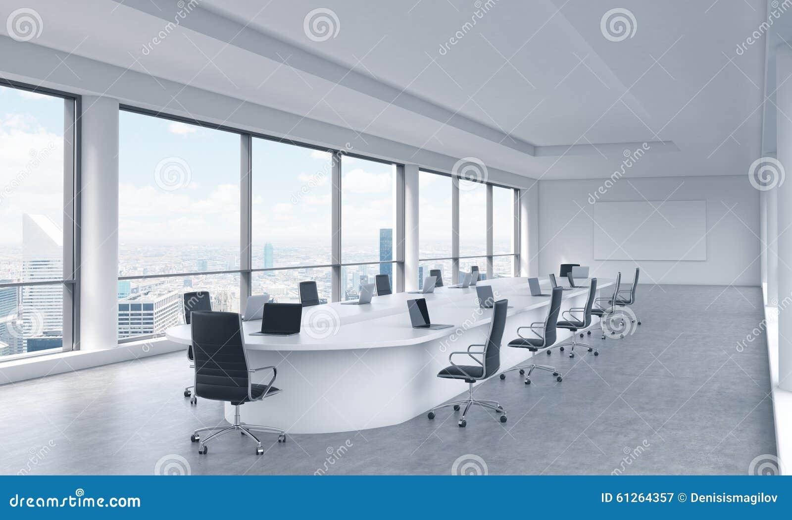 Een heldere moderne panoramische vergaderzaal in een for Bureau zoe new york