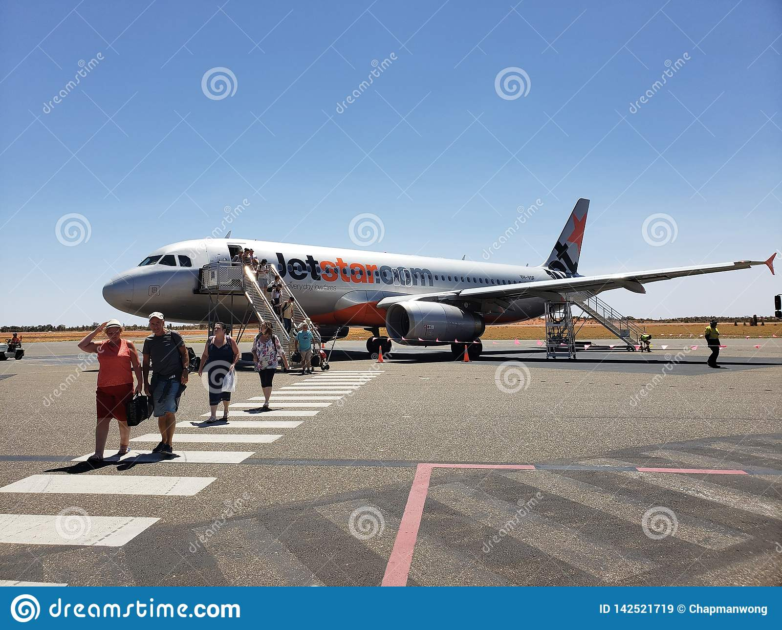Een Jetstar-vliegtuig landde op Ayers-Rotsluchthaven in Australië