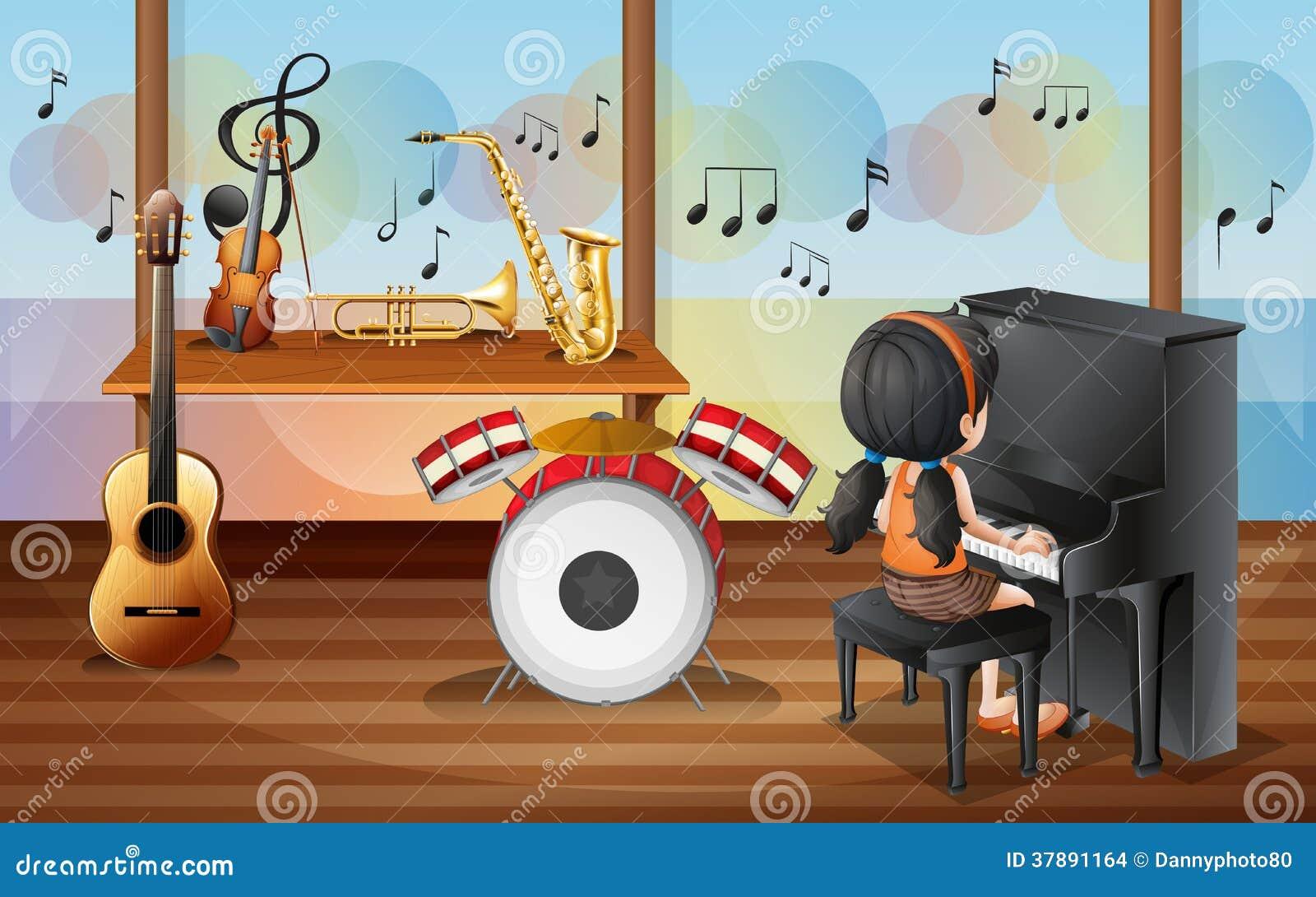 Een jonge pianist binnen de muziekruimte