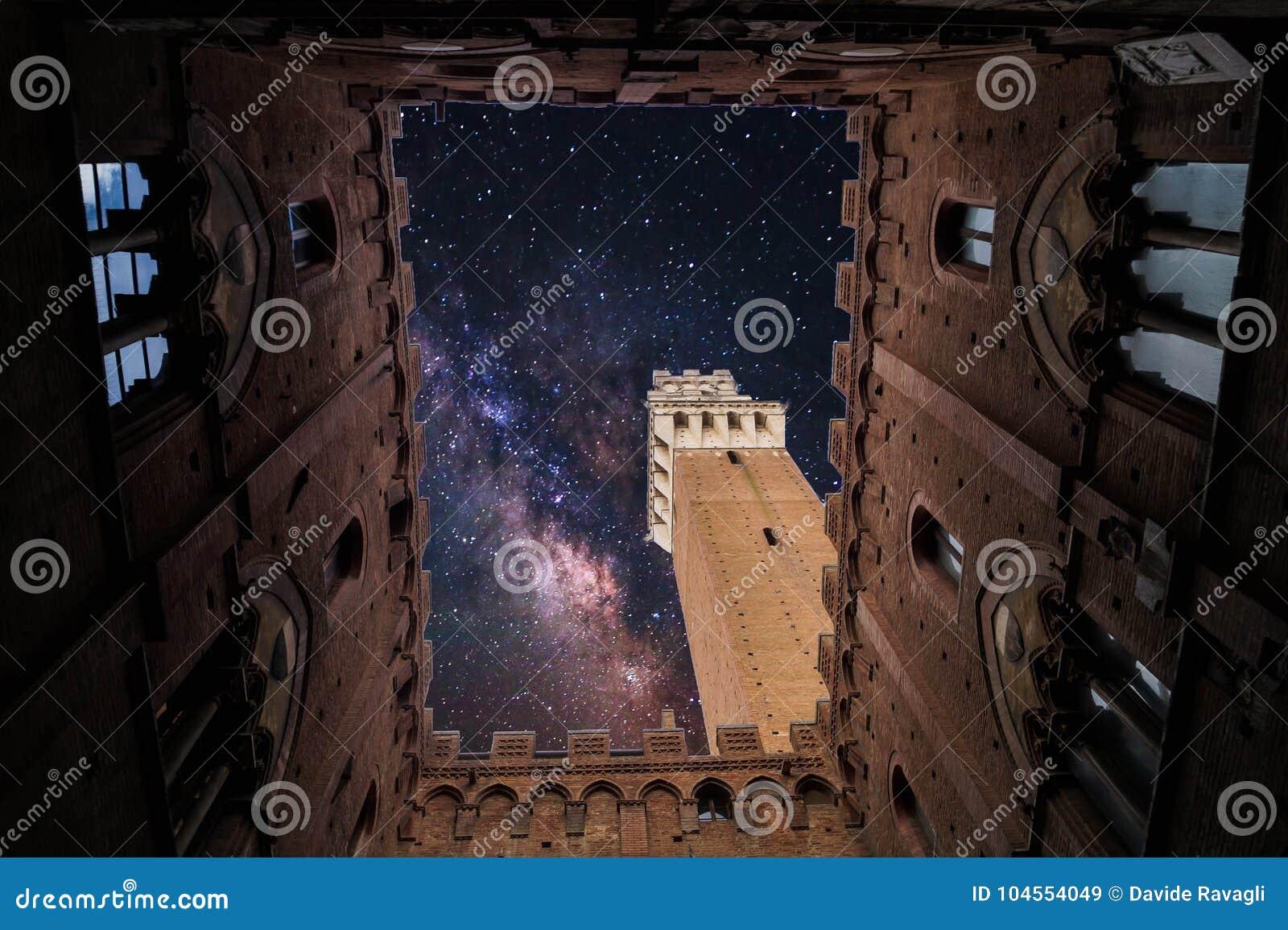 Een kerk in Siena, Italië