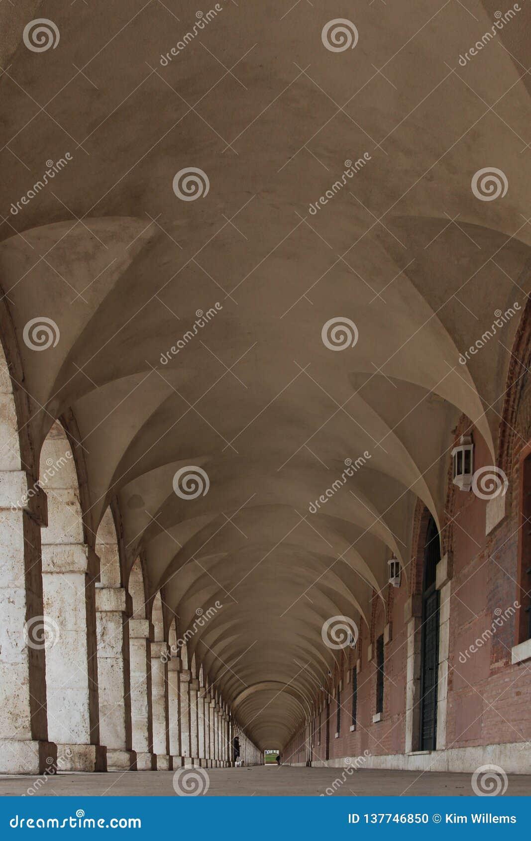Een koninklijke gang in Aranjuez