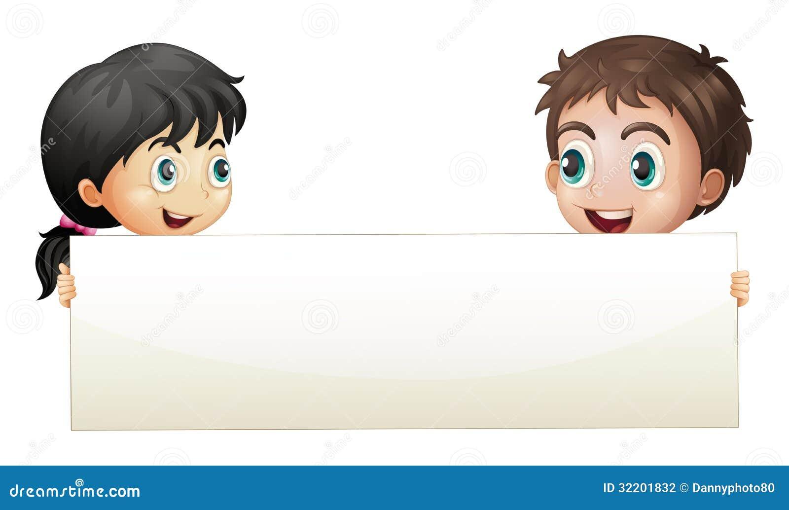 Een meisje en een jongen die een lege banner houden