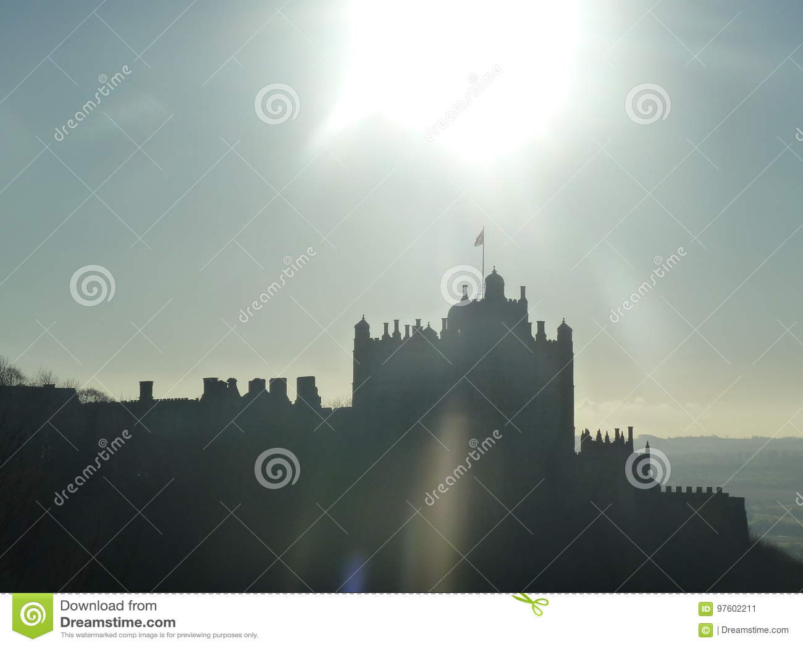 Een Mooi silhouet van een Kasteel