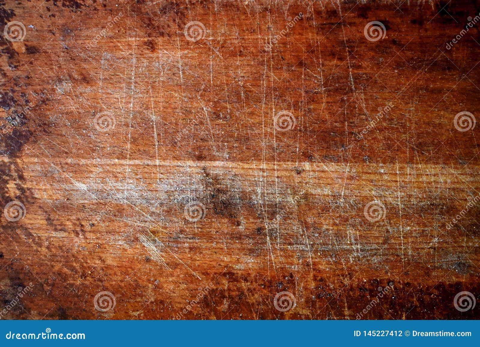Een oud houten hakbord