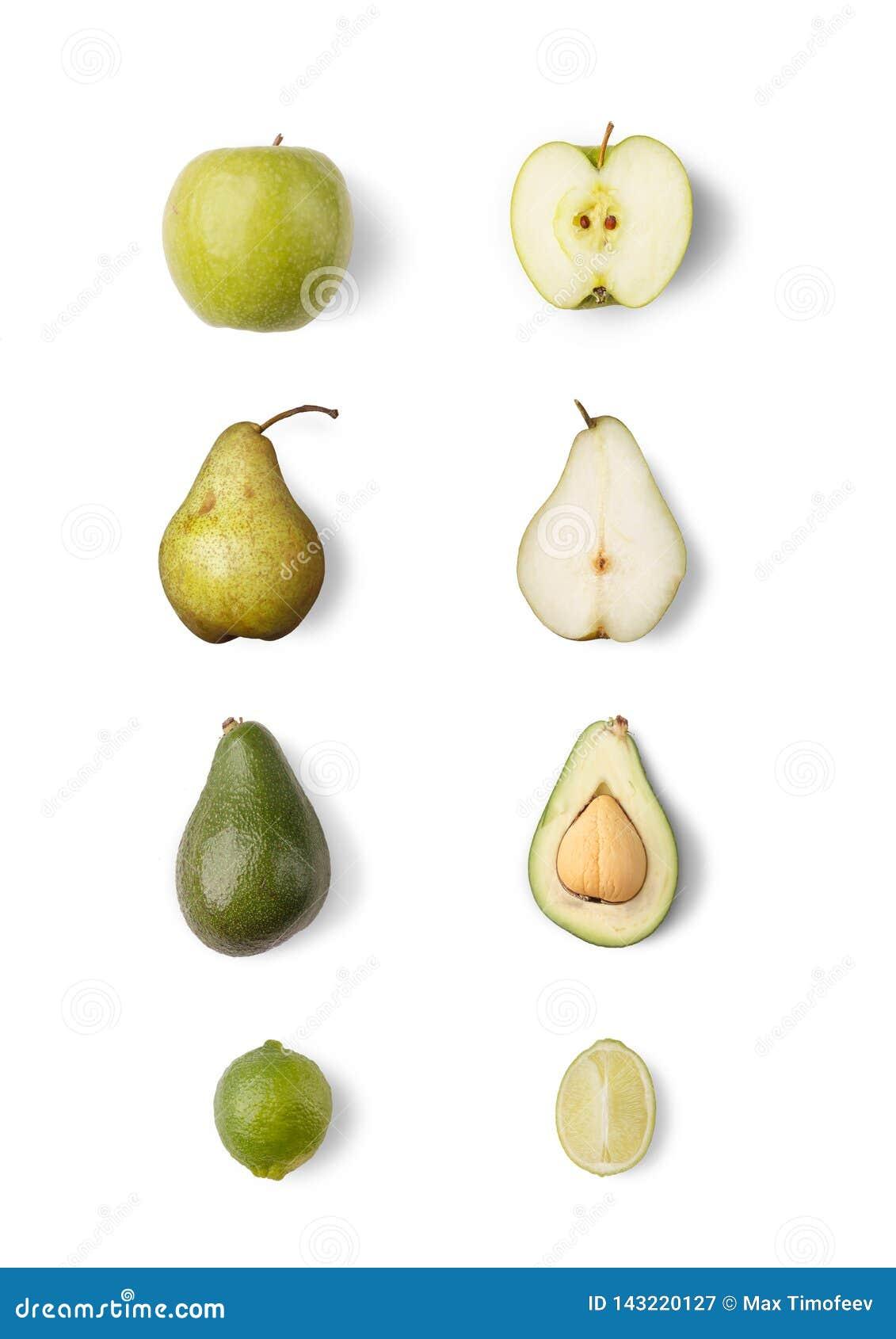 Een reeks sappige rijpe vruchten, rustiek fruit op een wit geïsoleerde achtergrond