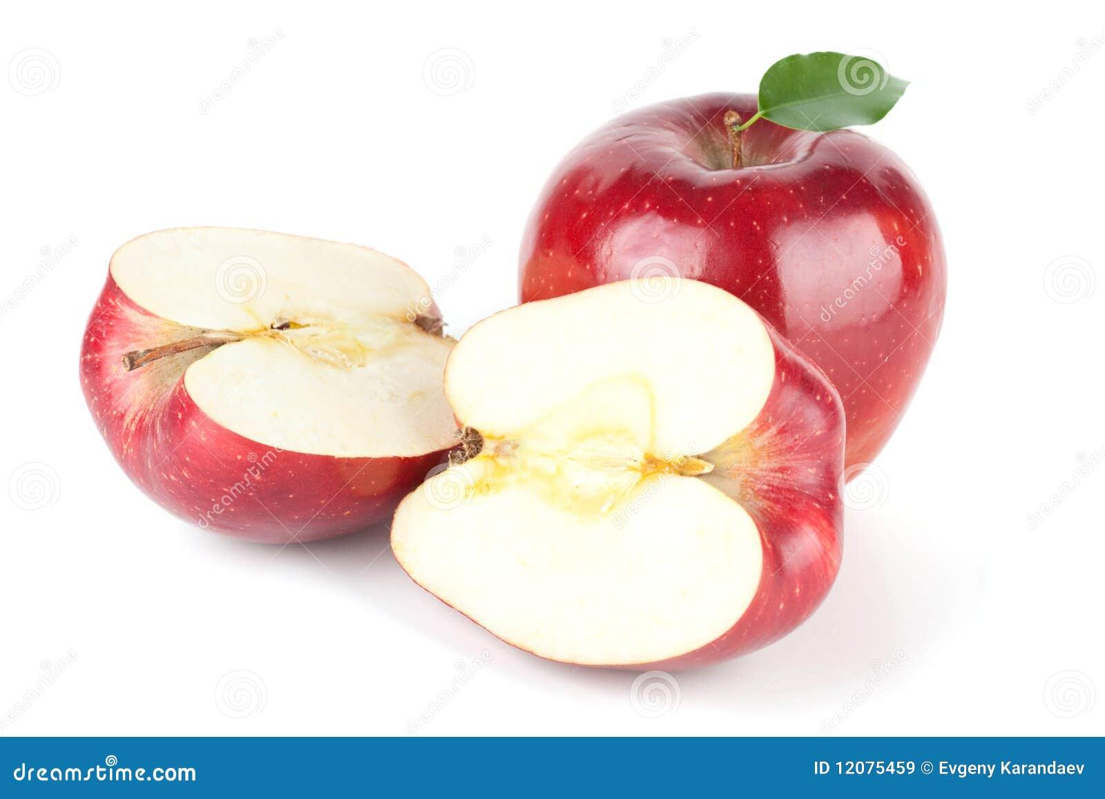 Een rijpe Rode Appel met Blad en de twee helften