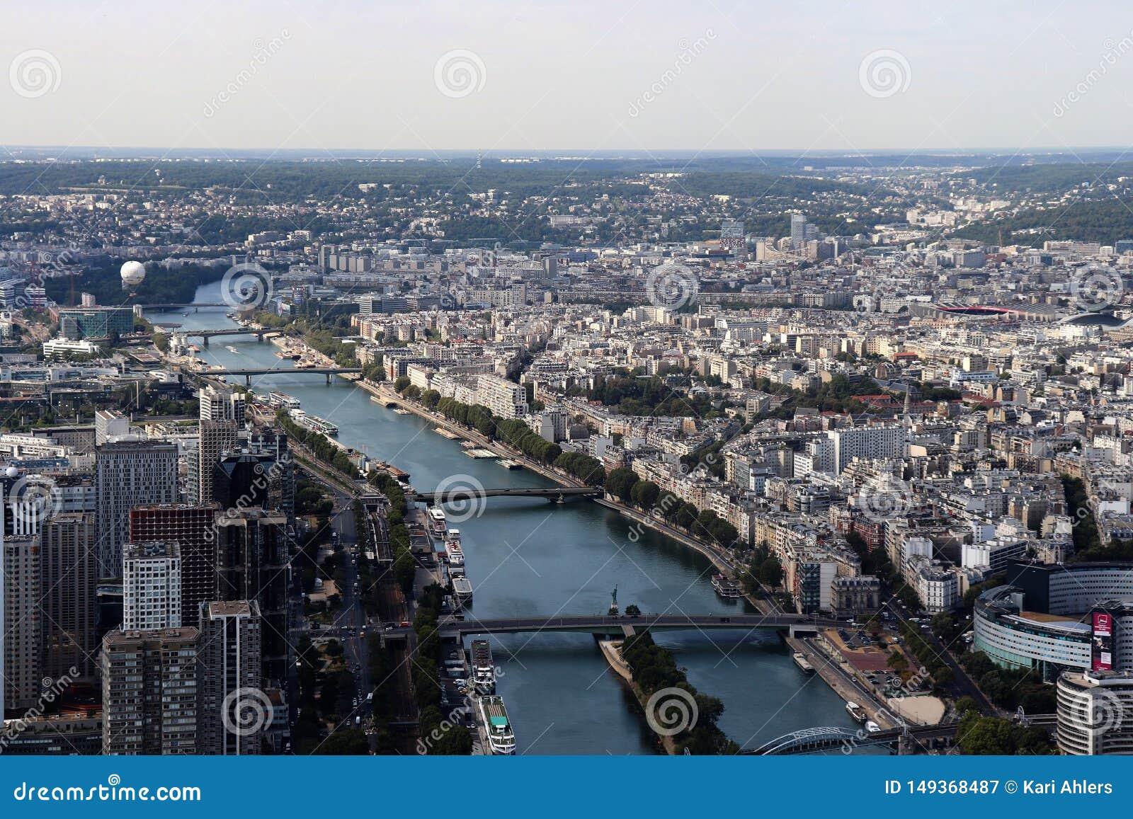 Een satellietbeeld van Parijs, Frankrijk