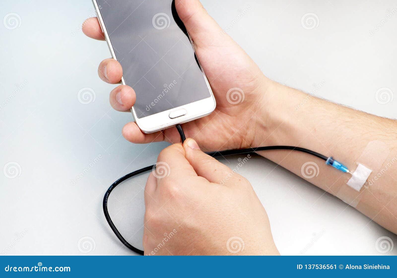 Een technologieverslaafde Het concept afhankelijkheid van smartphone, telefoon