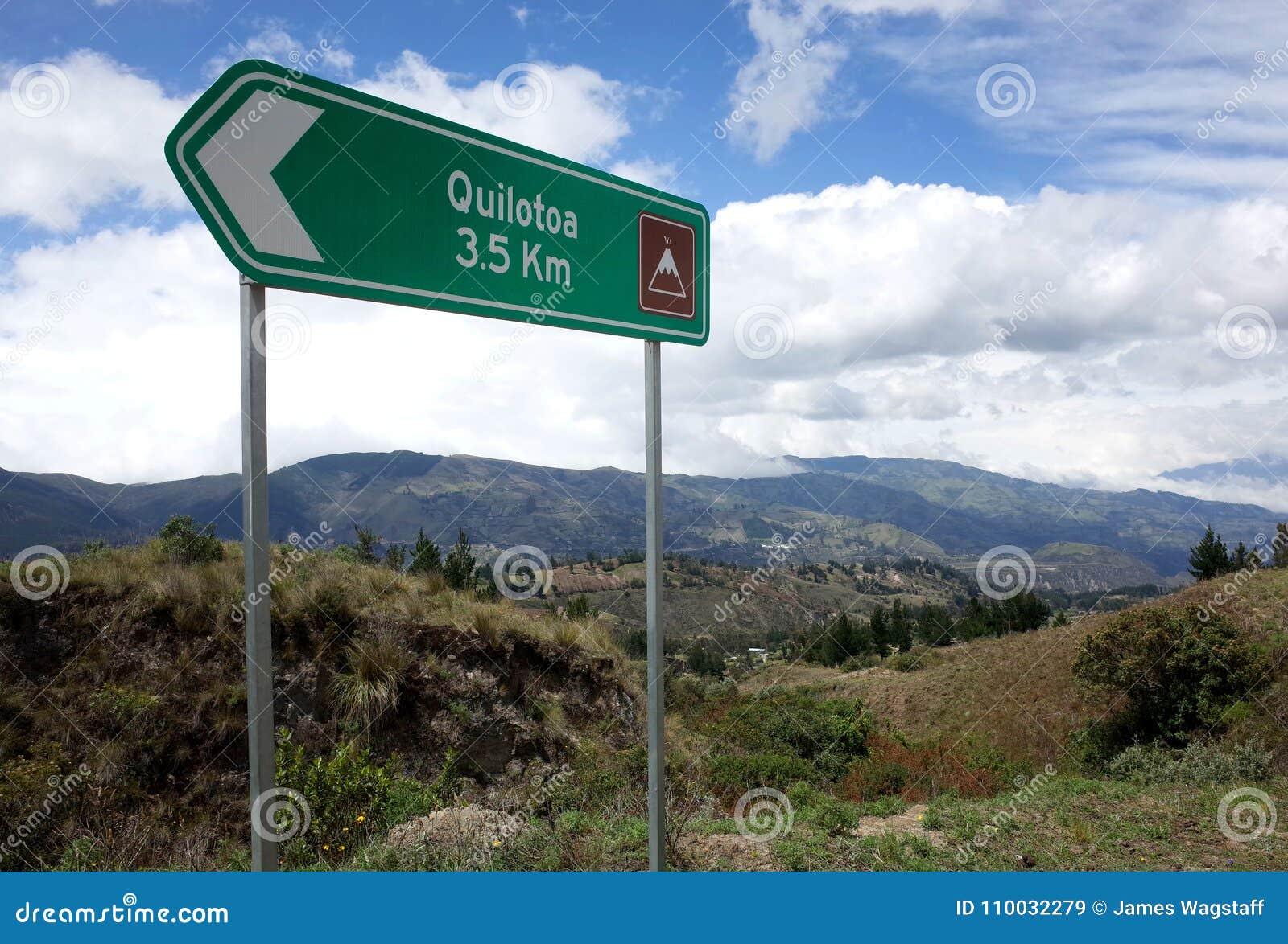 Een teken merkt de manier van de Quilotoa-Lijnstijging