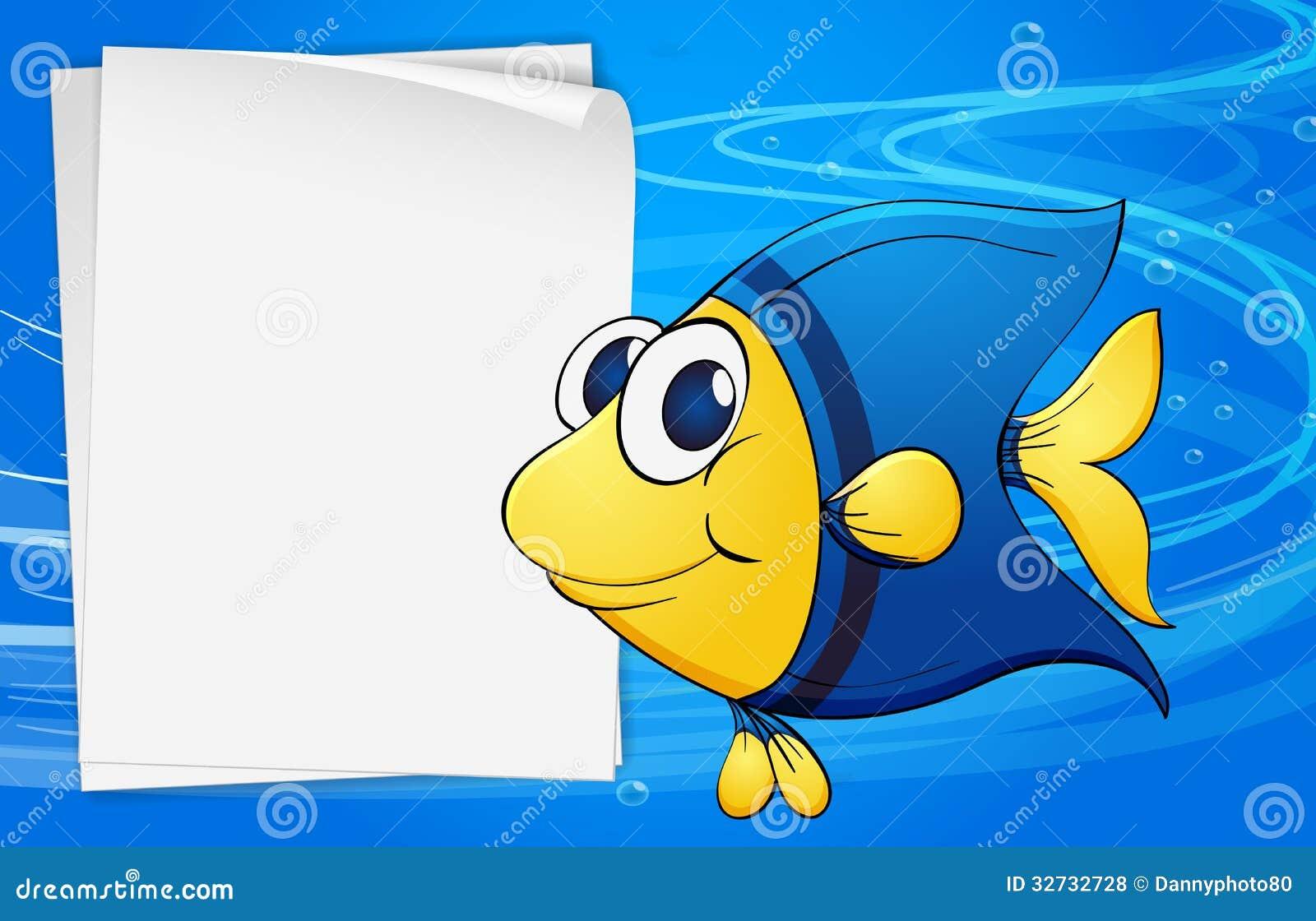 Een vis naast een lege bondpaper onder het overzees