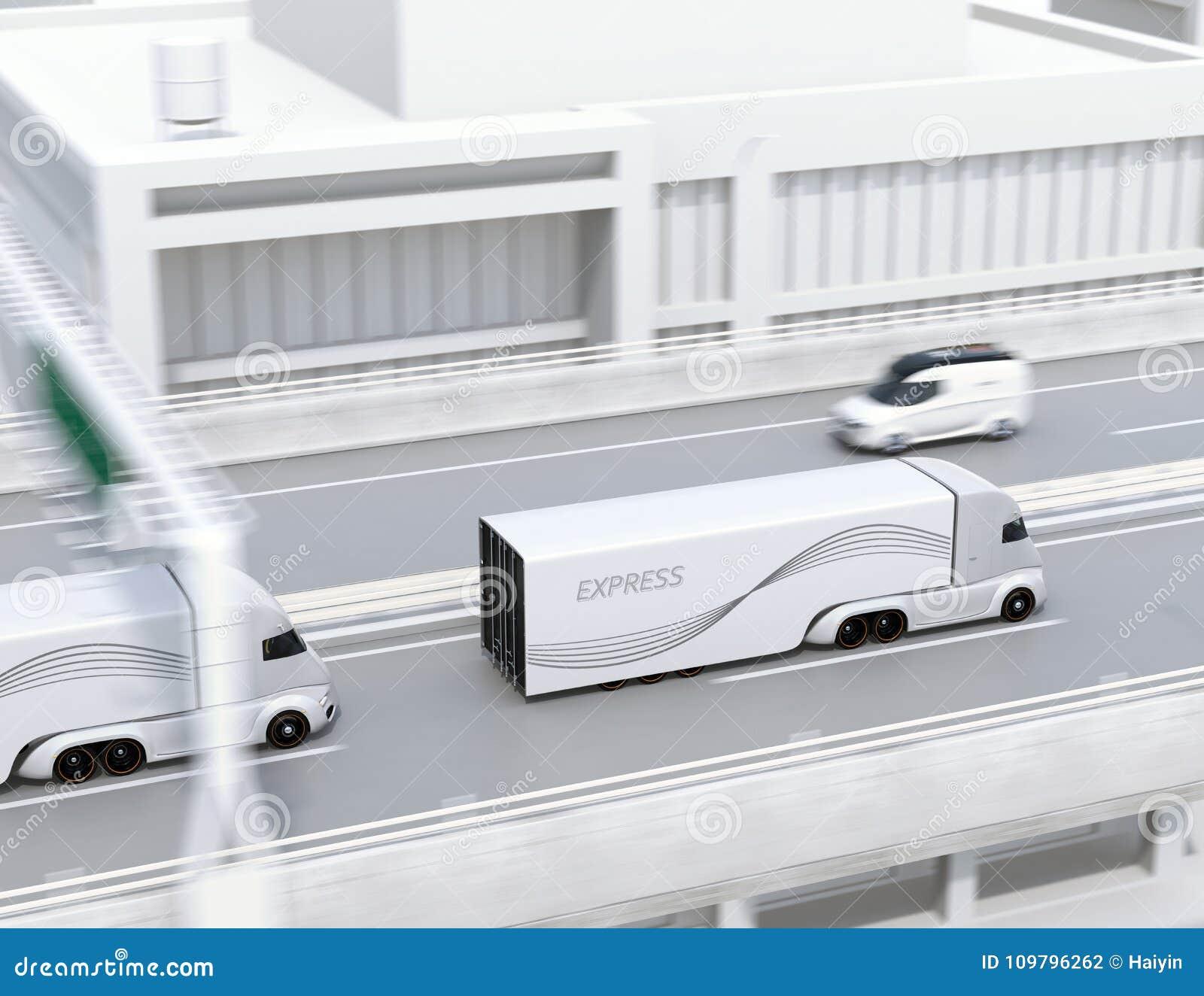 Een vloot van zelf-drijft elektrische semi vrachtwagens die op weg drijven