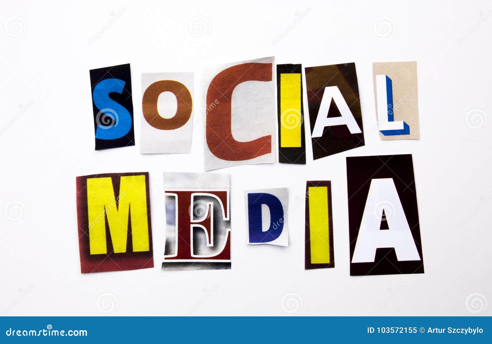 Een woord het schrijven tekst die concept Sociale die Media tonen van de verschillende brief van de tijdschriftkrant voor Bedrijf