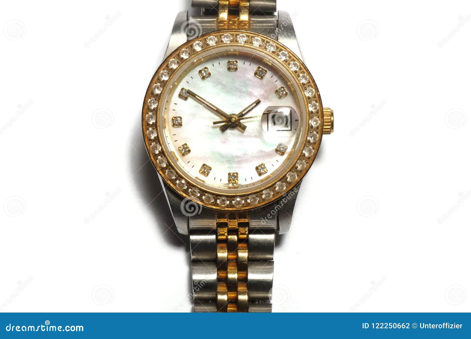 Een zilveren dameshorloge met een rond horlogegezicht en diamanten op de rand