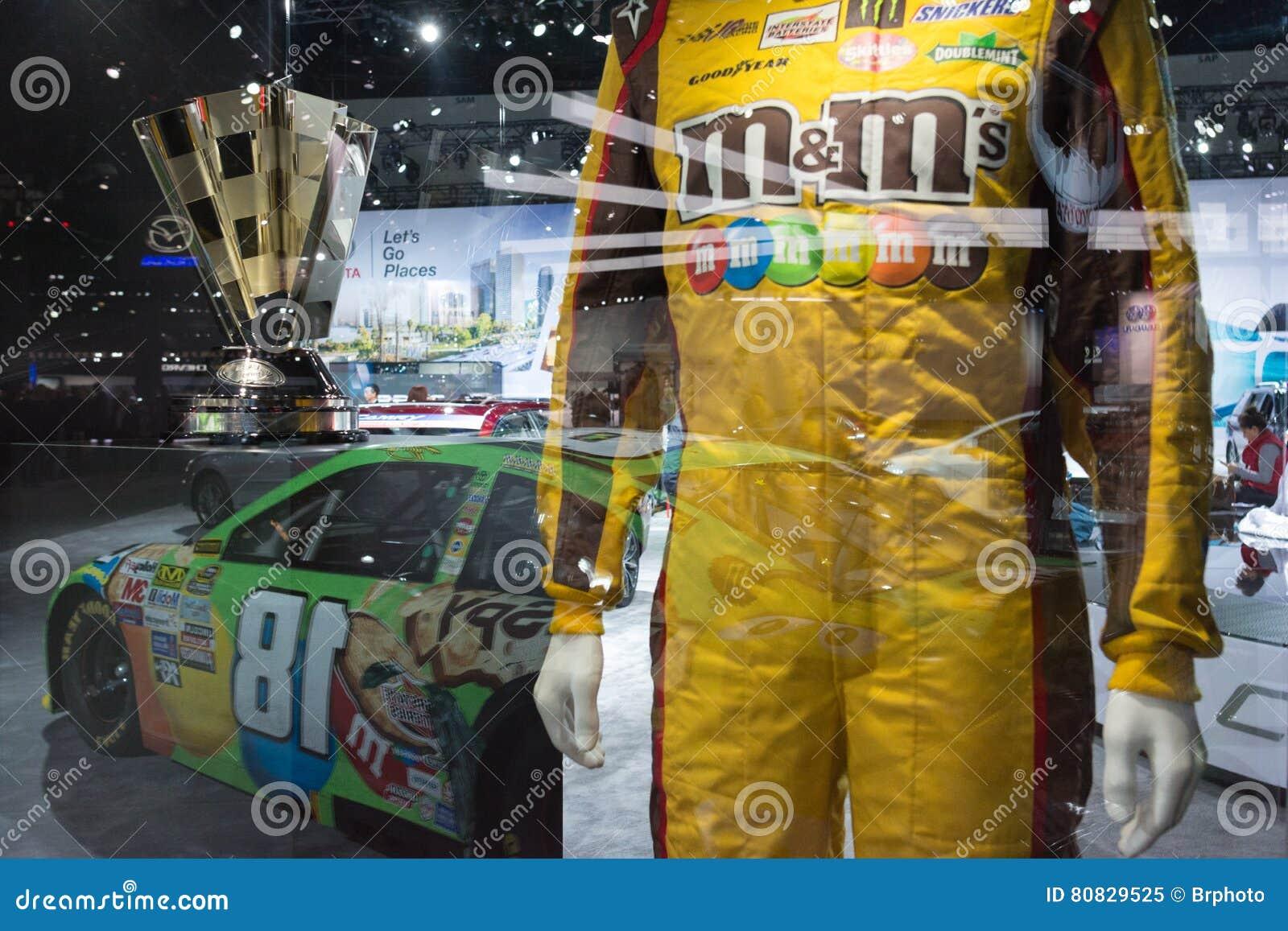 Eenvormige de raceauto van Kyle Busch ` s m&m Toyota Camry Nascar