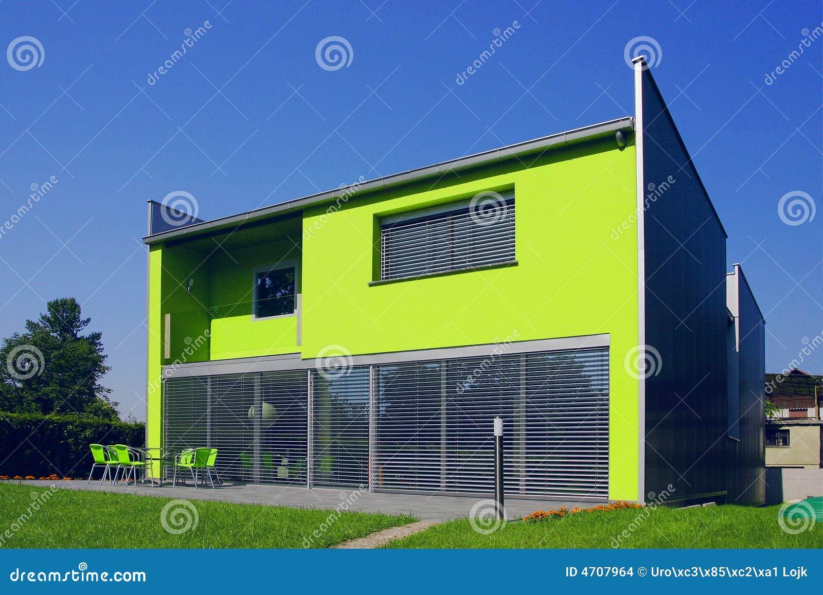 Eenvoudig groen huis stock afbeeldingen afbeelding 4707964 - Groen huis model ...