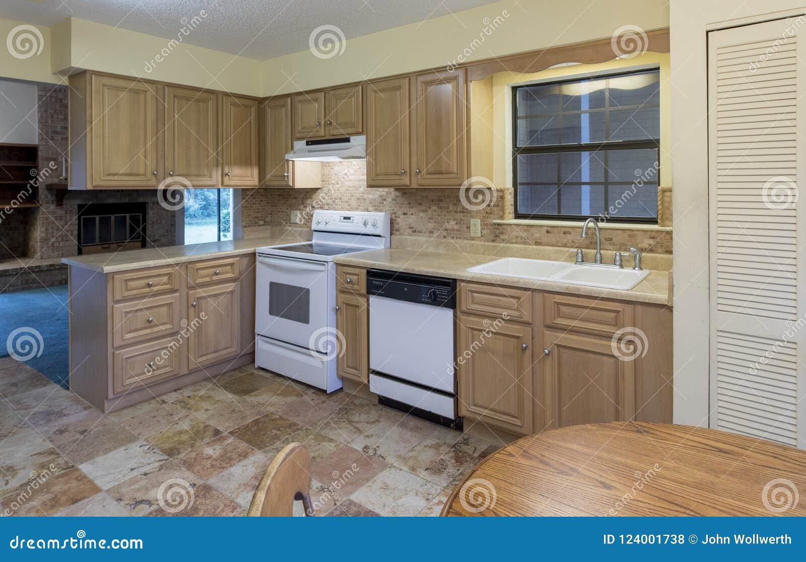 Eenvoudige amerikaanse keuken stock foto afbeelding bestaande