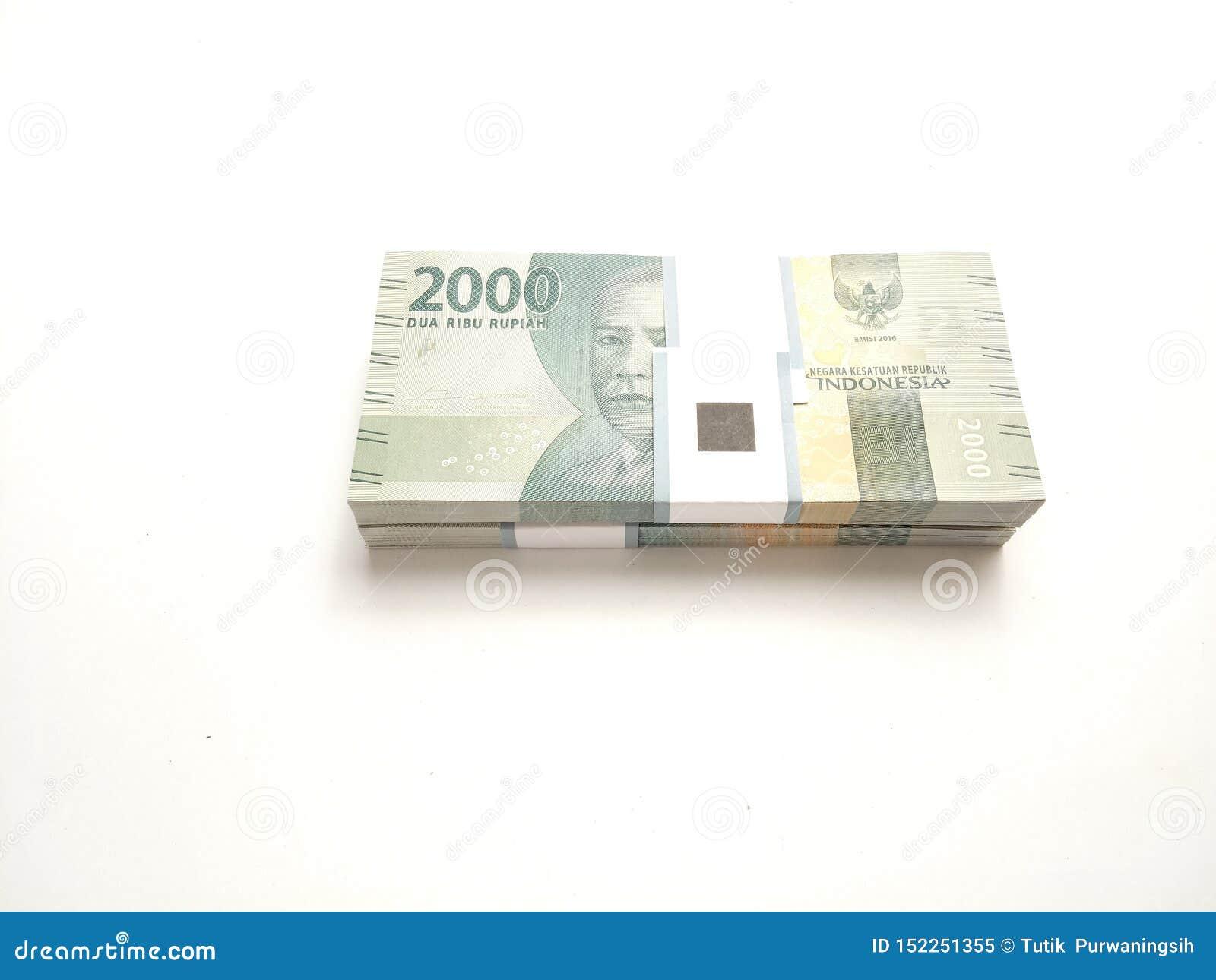 Eenvoudige Foto, Hoogste Weergeven, Pakken van het Geld van Roepieindonesië, 2000, bij witte achtergrond