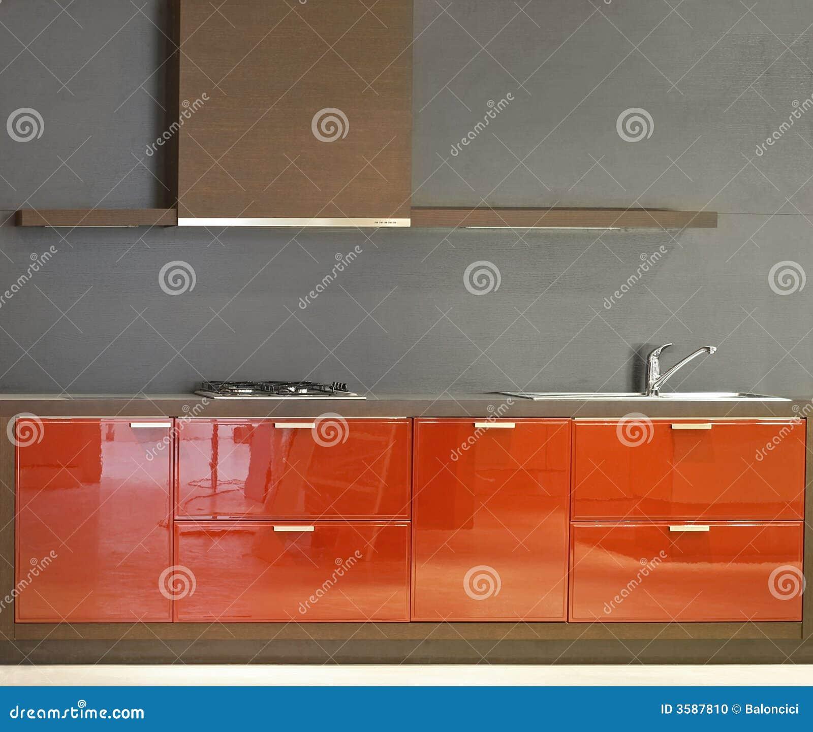 Eenvoudige keuken stock foto   afbeelding: 3587810