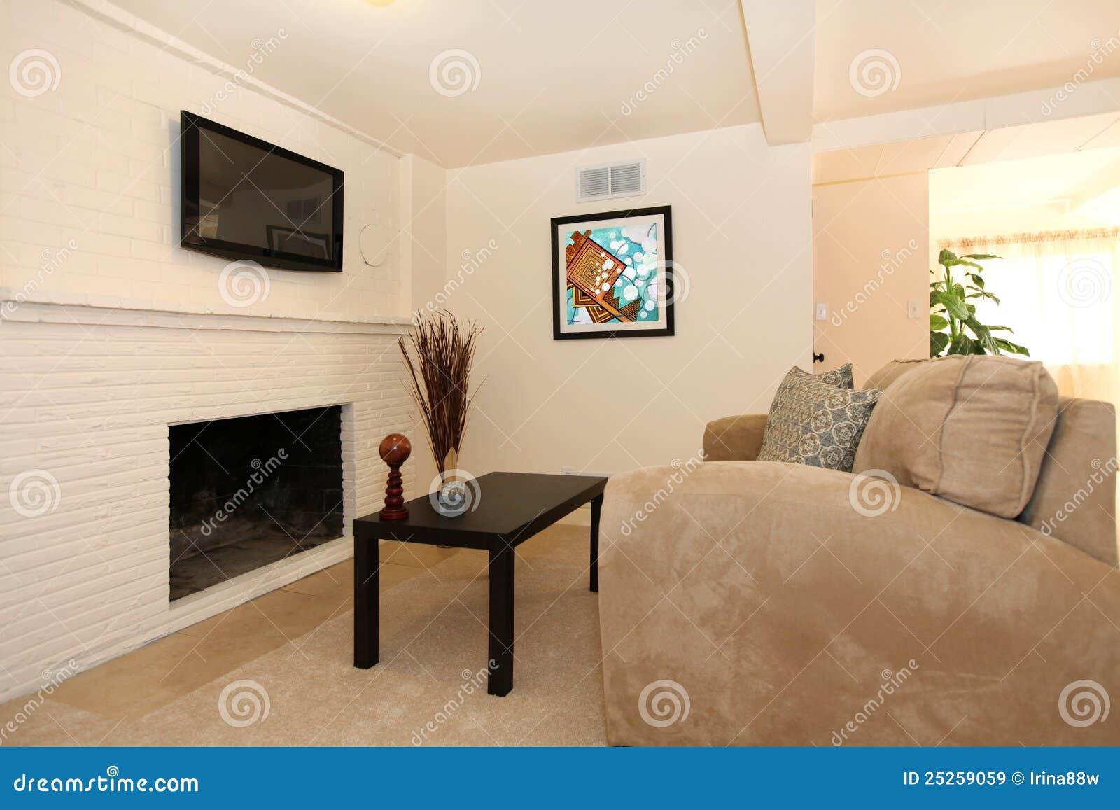 Eenvoudige Woonkamer Met Tv En Open Haard Royalty Vrije Stock Afbeeldingen Afbeelding 25259059