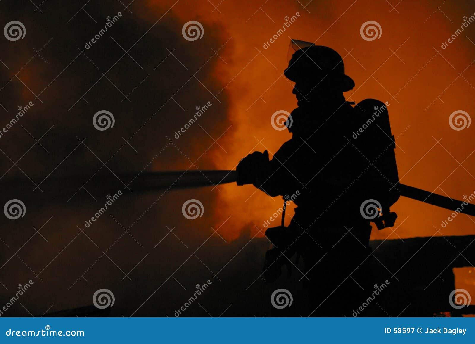 Eenzame brandbestrijder