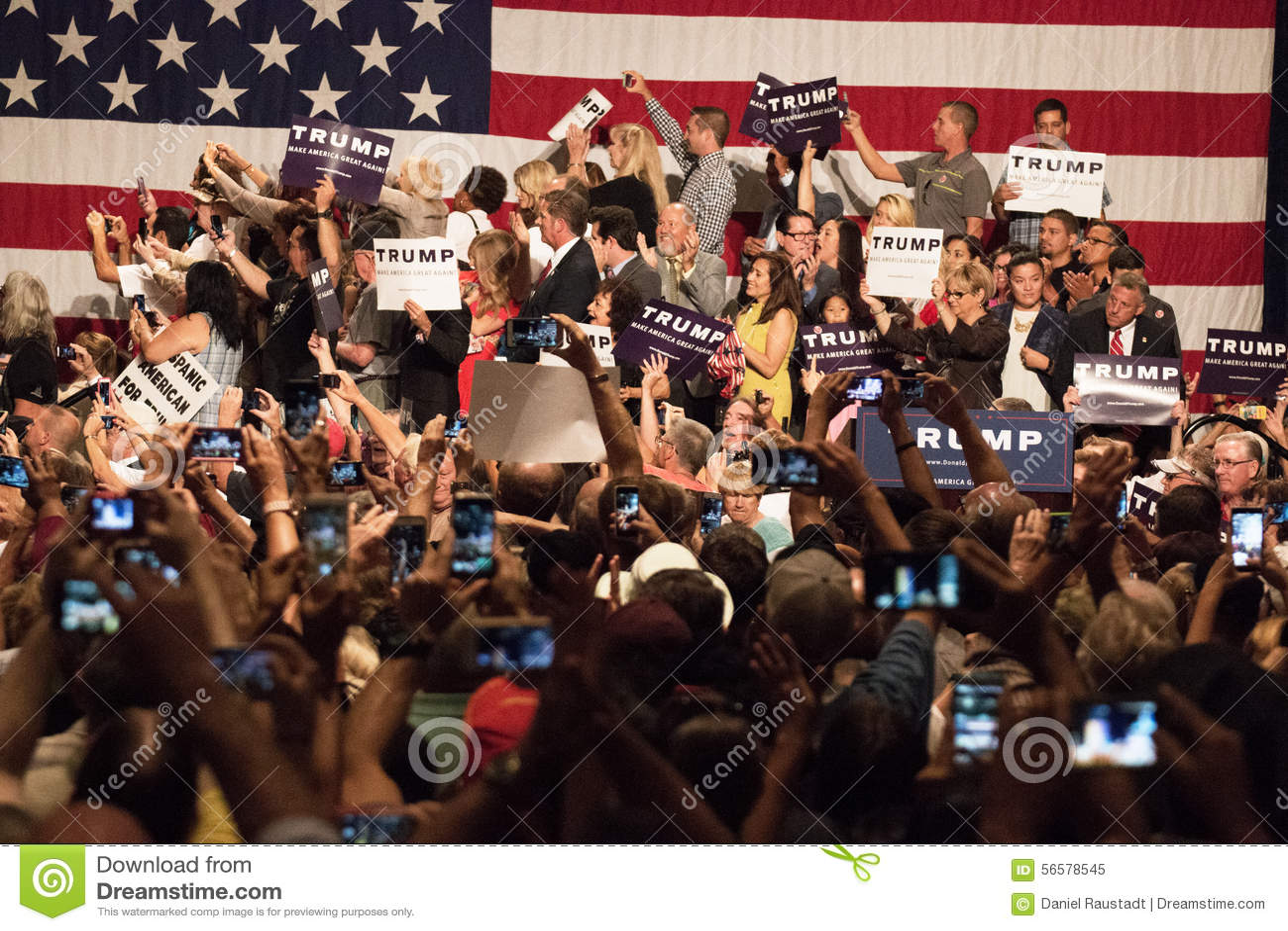 Eerste Presidentiële de campagneverzameling van Donald Trump in Phoenix