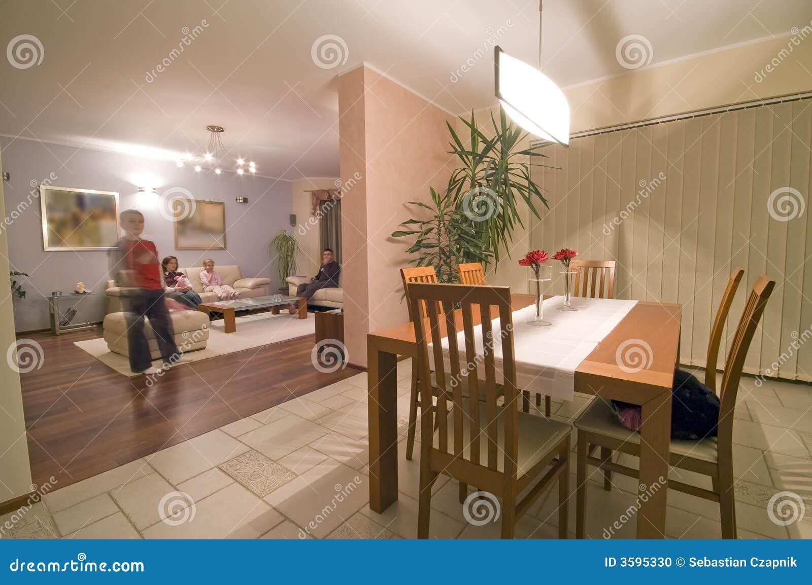 Eetkamer stock foto. afbeelding bestaande uit motie huis 3595330