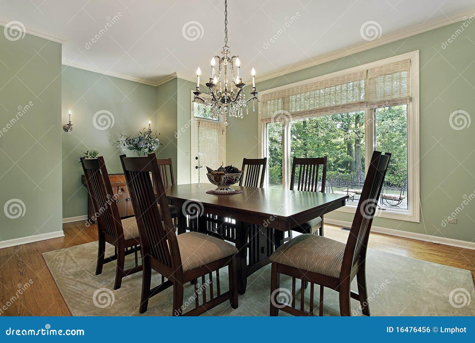 Eetkamer met groene muren royalty vrije stock afbeelding ...