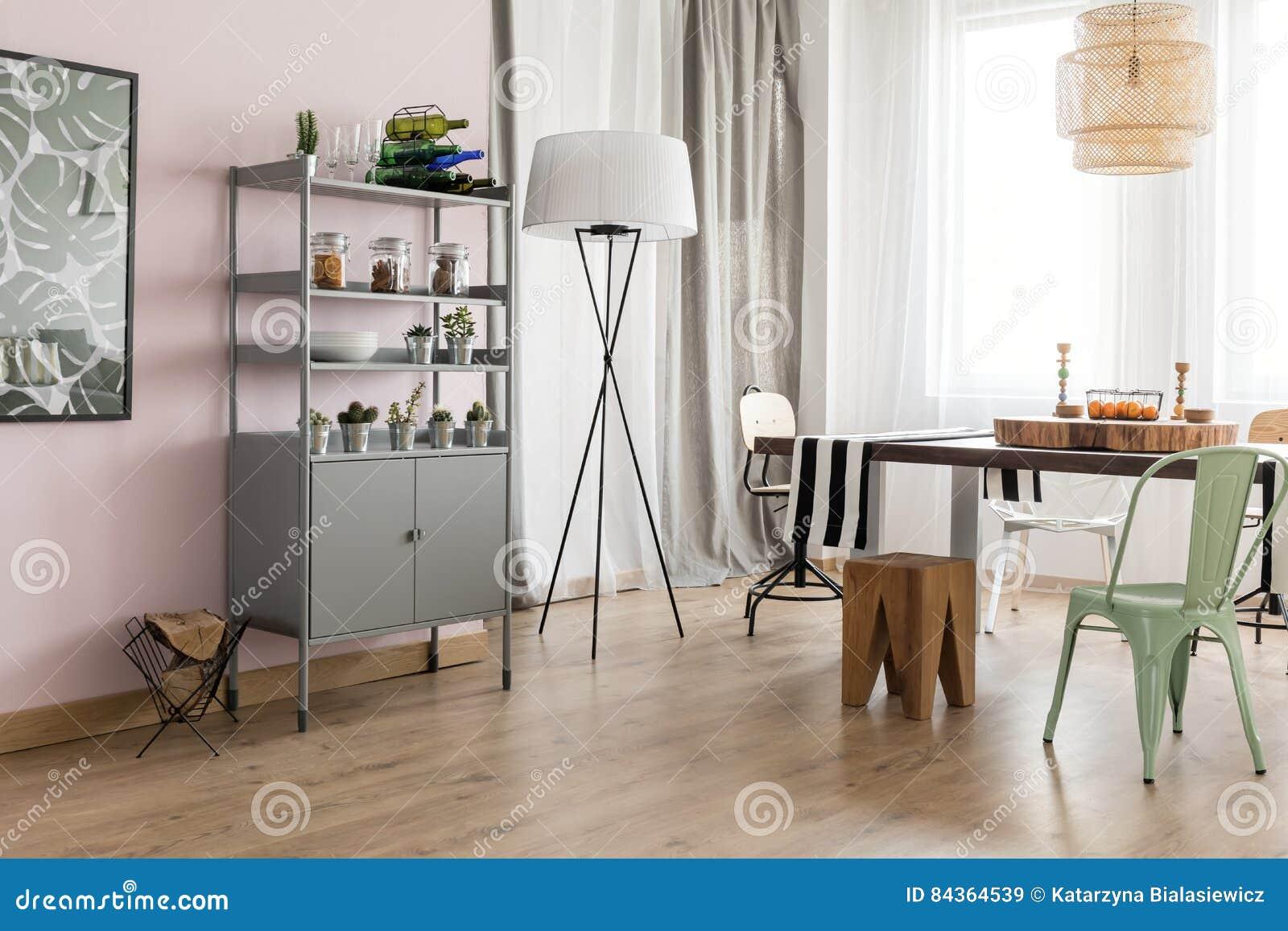 Eetkamer met modern ontwerp