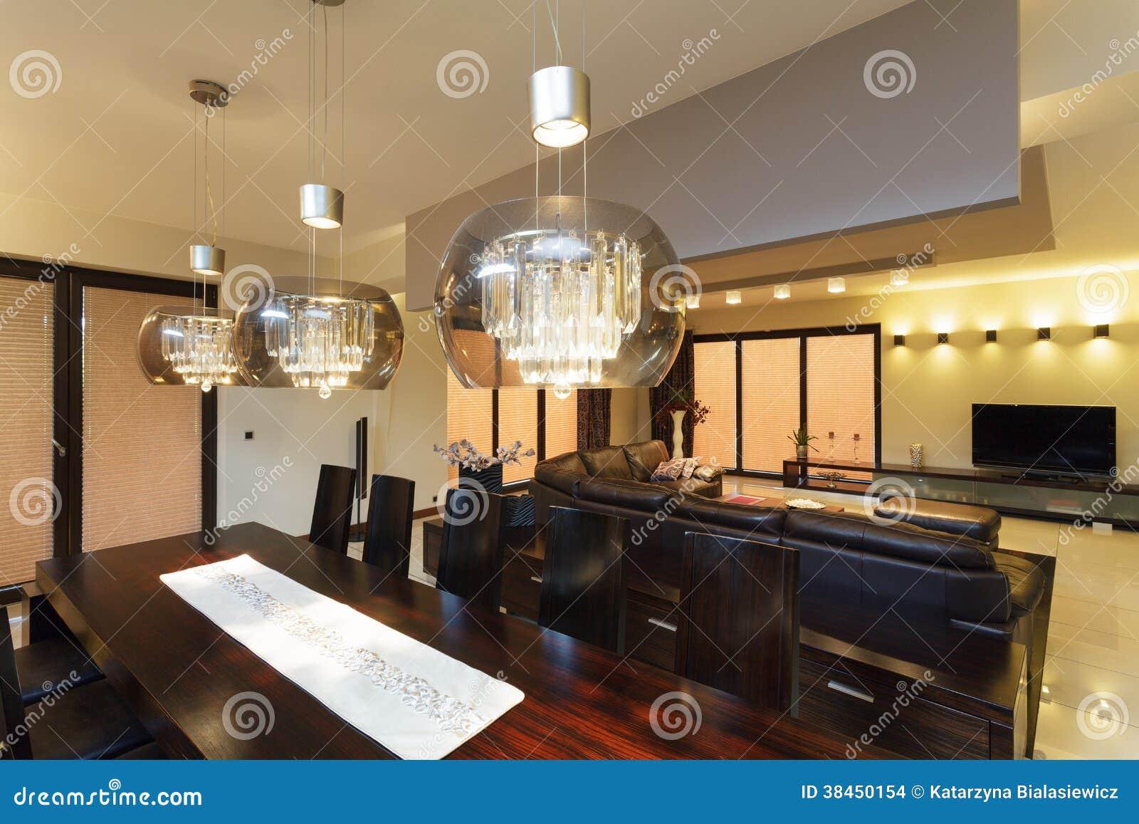 Eetkamerverlichting stock foto. Afbeelding bestaande uit nieuw ...