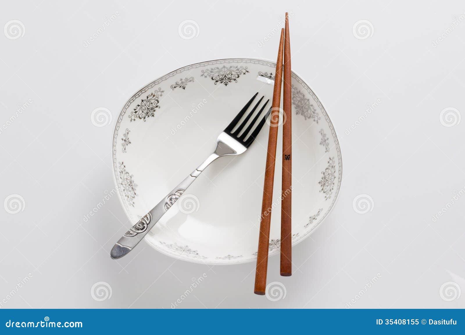 Eetstokjes en vork