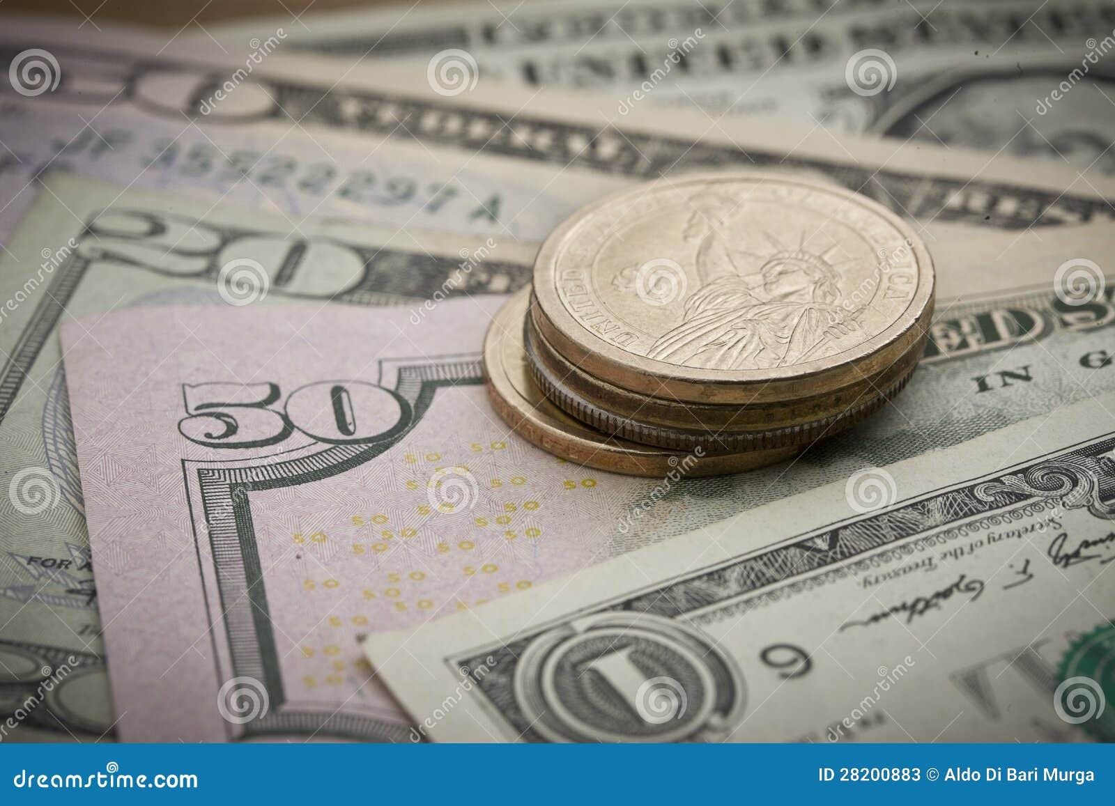 Efectivo: Billetes de banco y monedas