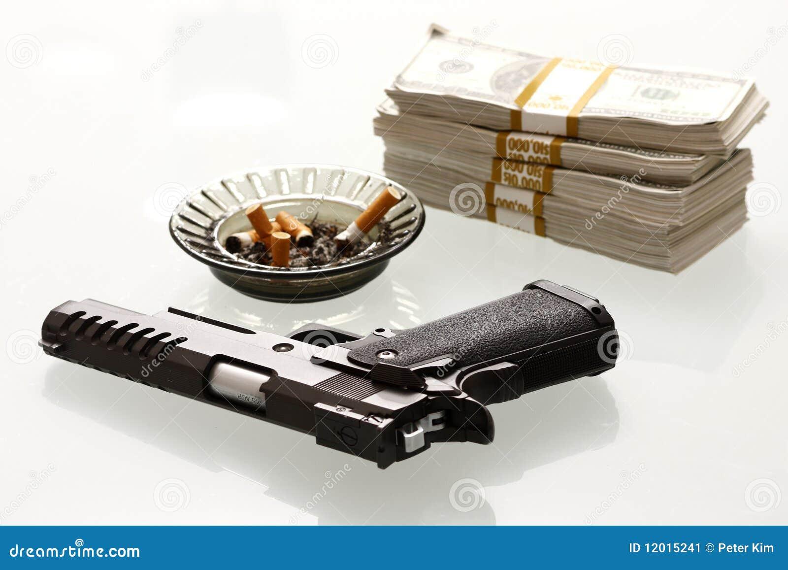 Efectivo y arma
