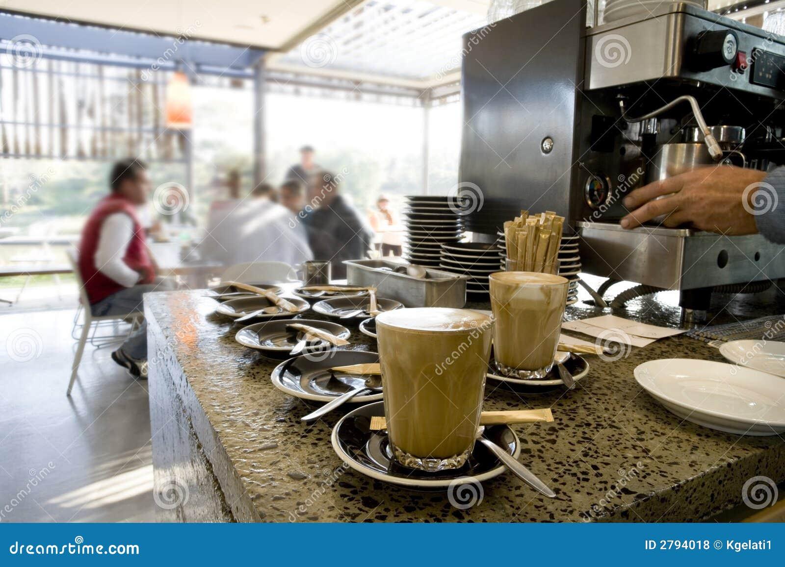 Effectuer les latte et le café 02