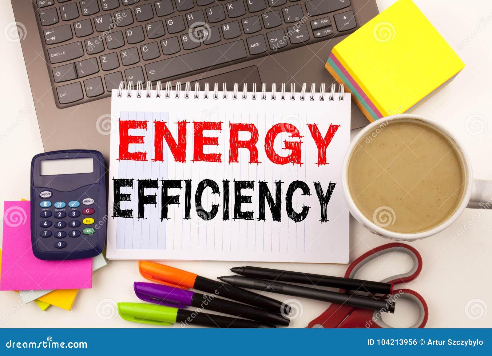 Effektivitet för handstilvisningenergi som göras i kontoret med pennan för omgivningbärbar datormarkör Affärsidé för byggnadstekn