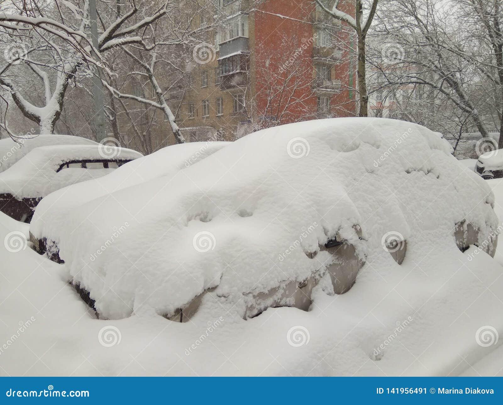 Efter ett enormt tungt snöfall