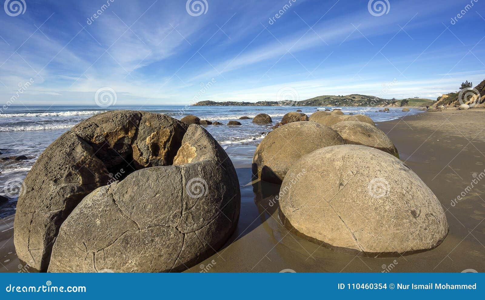 Eftermiddag på de Moeraki stenblocken, Otago, Nya Zeeland