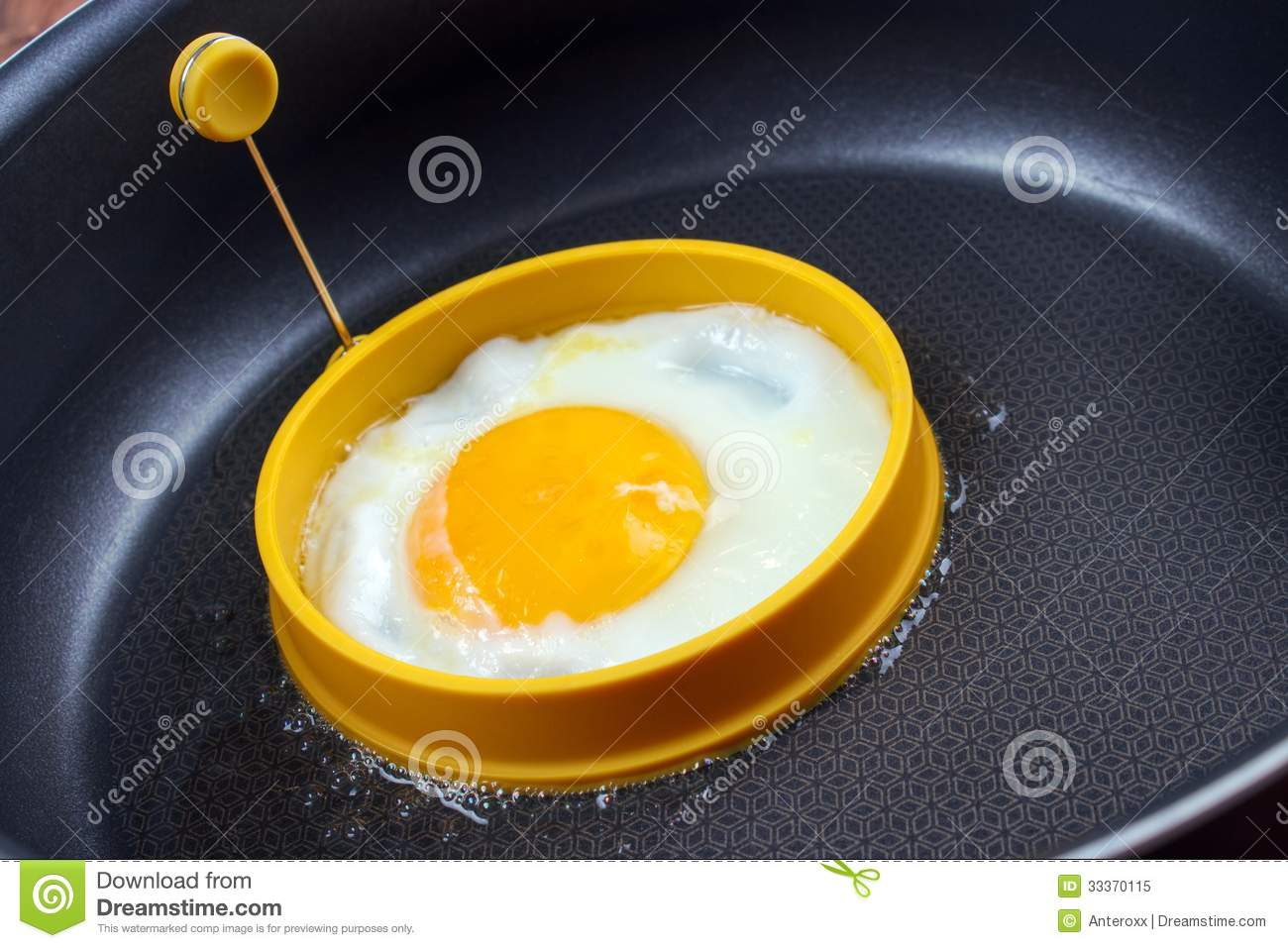 Egg Fry Form In Use Royalty Free Stock Photo - Image: 33370115