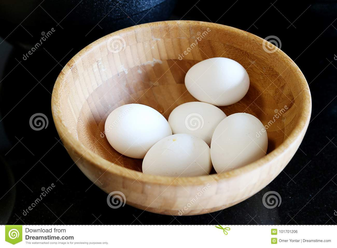 Eggs in the wooden plate