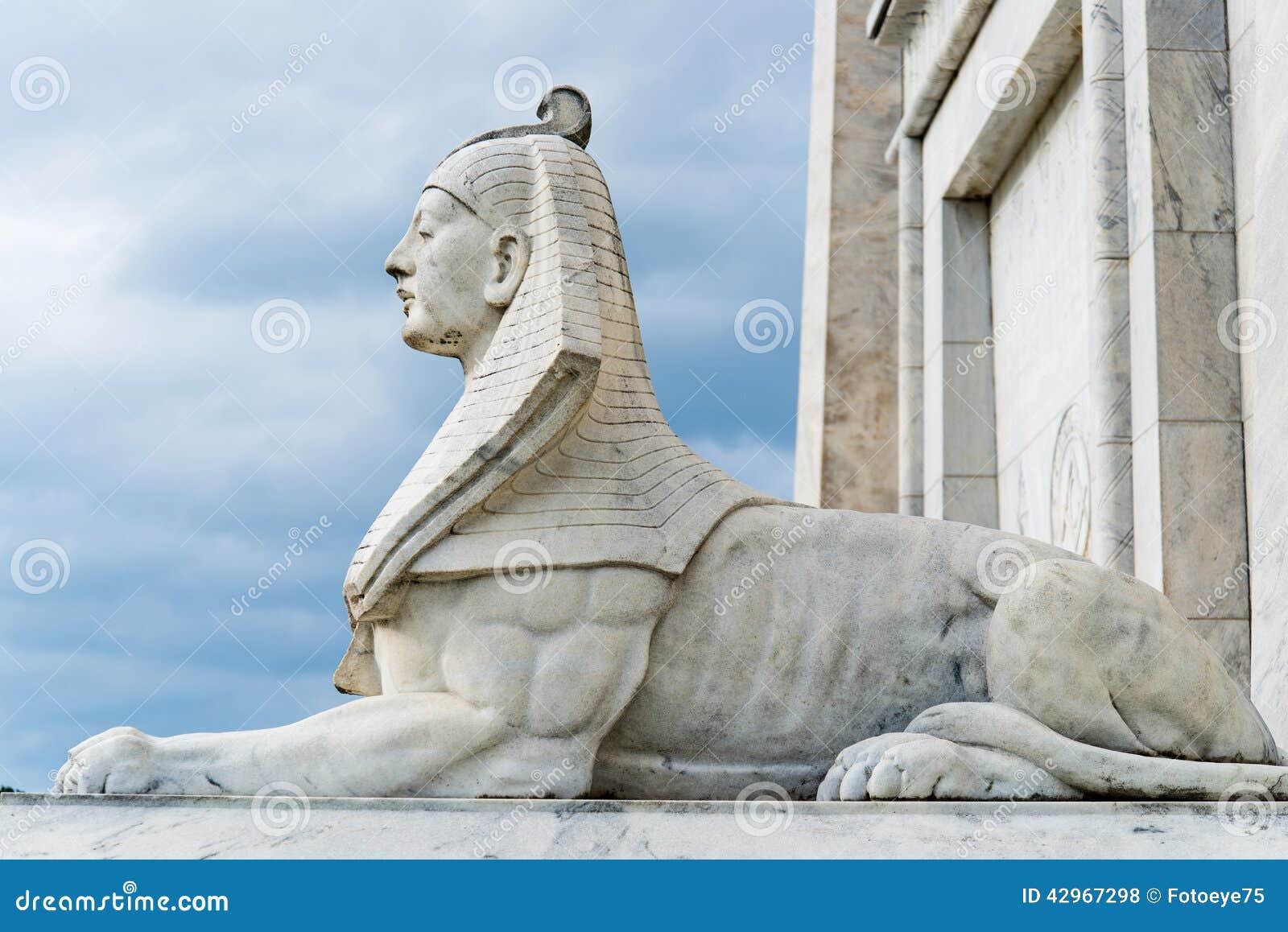 Egipt sfinksa statua