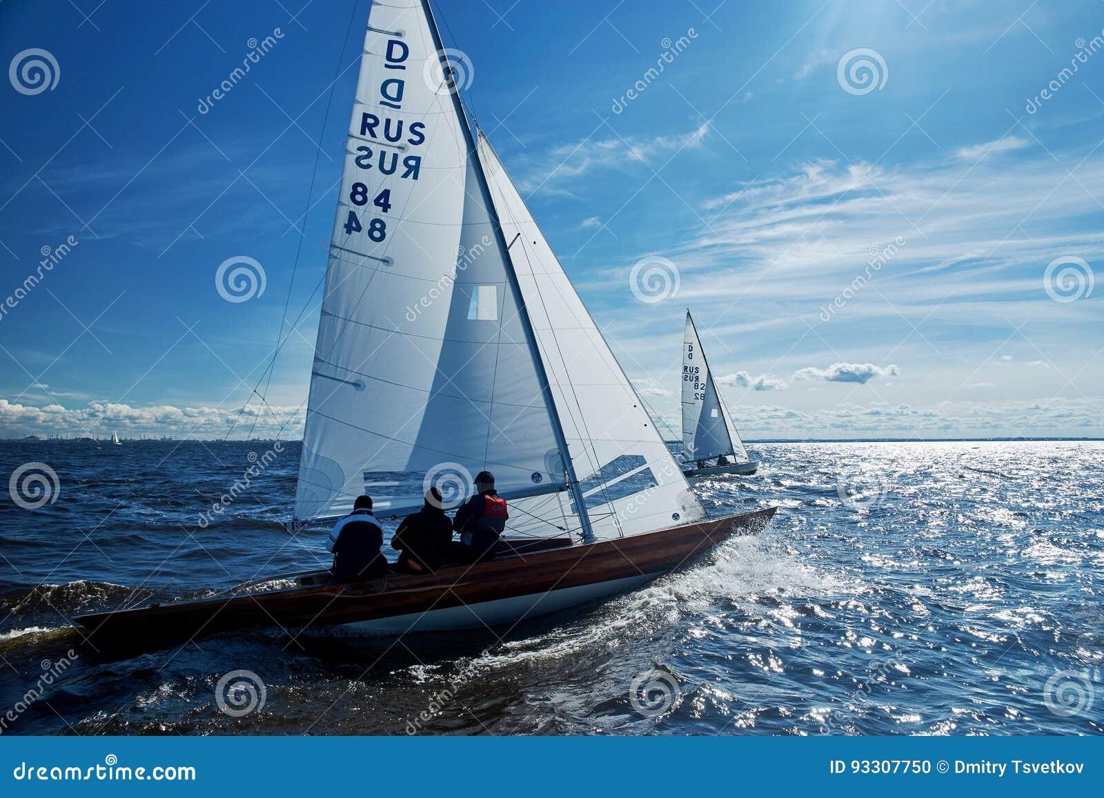 Żeglowania regatta w Rosja