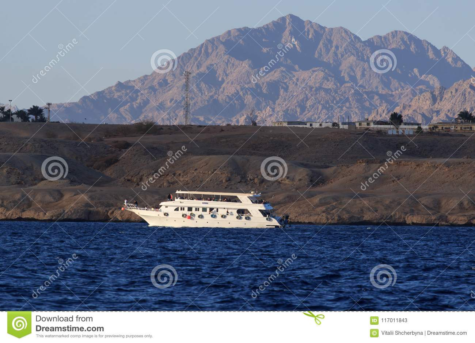 Egypten Sinai, montering Moses Väg som vallfärdar på klättring berget av Moses