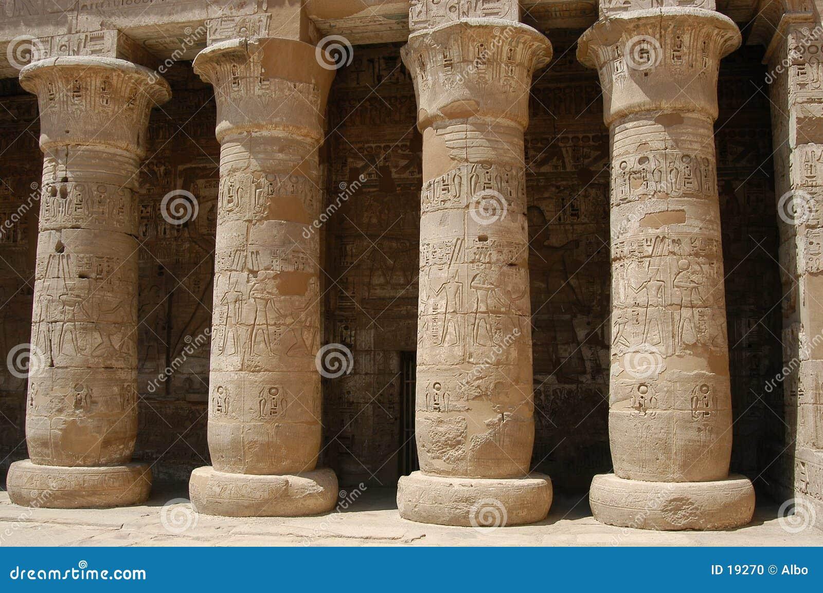 Egyptiska pelare