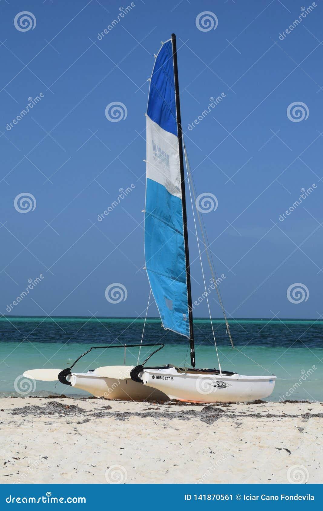 Egzotyczni sporty w egzocie wyrzucać na brzeg w Kuba