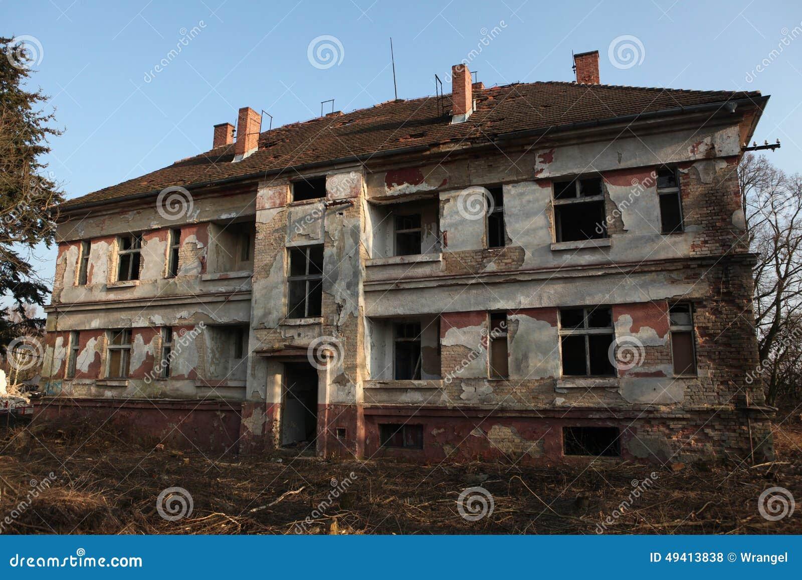 Download Ehemaliger Sowjetischer Militärstützpunkt In Milovice, Tschechische Republik Stockfoto - Bild von ruine, europäisch: 49413838