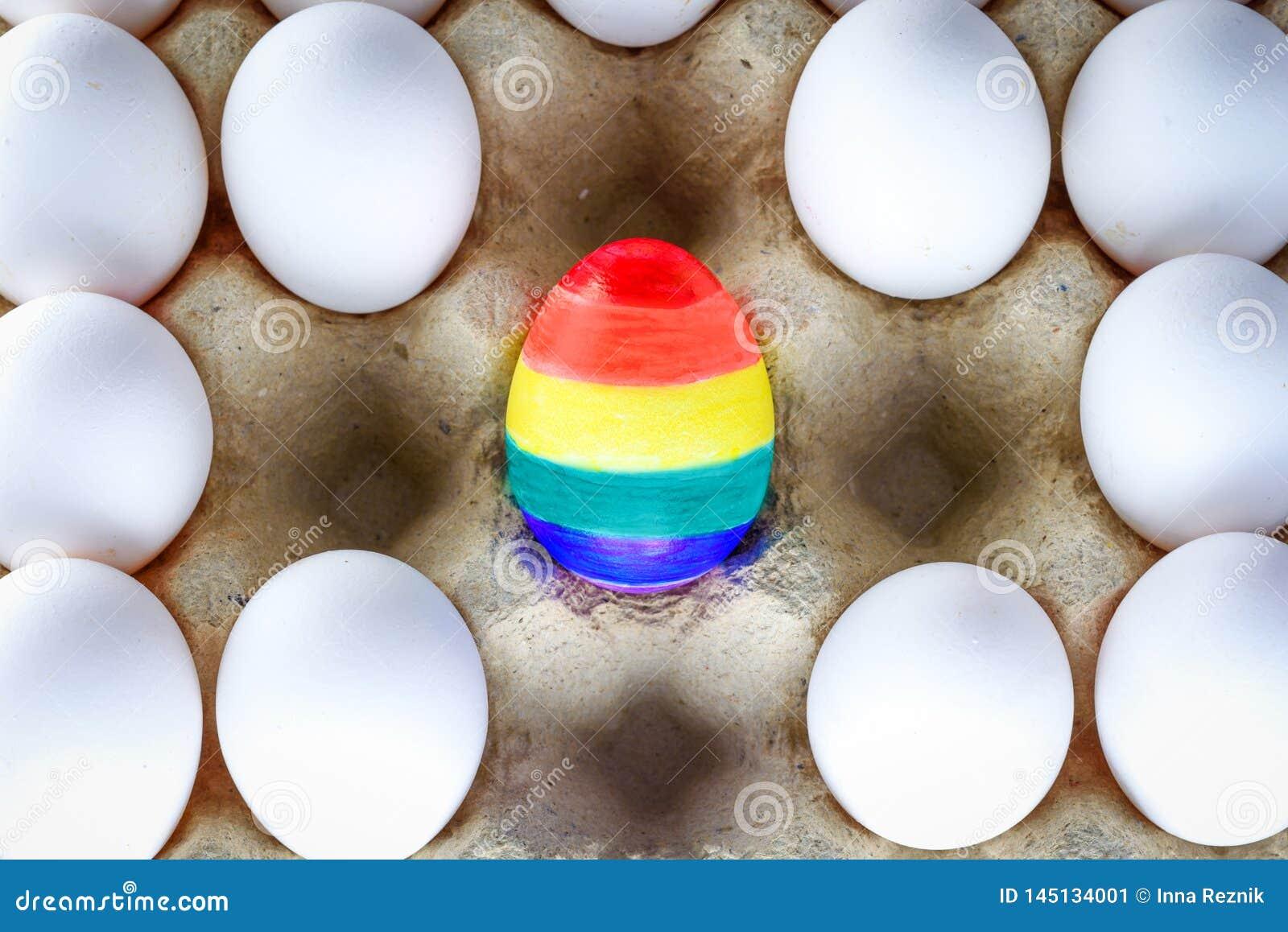 Ei gemalt wie eine LGBT-Flagge Pride lesbisches homosexuelles bisexuelles Transgender der Rechte des Monats LGBT Regenbogenflagge