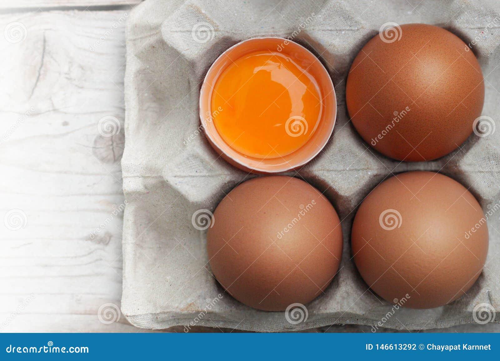 Eier mit den gro?en, hellen roten Eiern, ungiftig