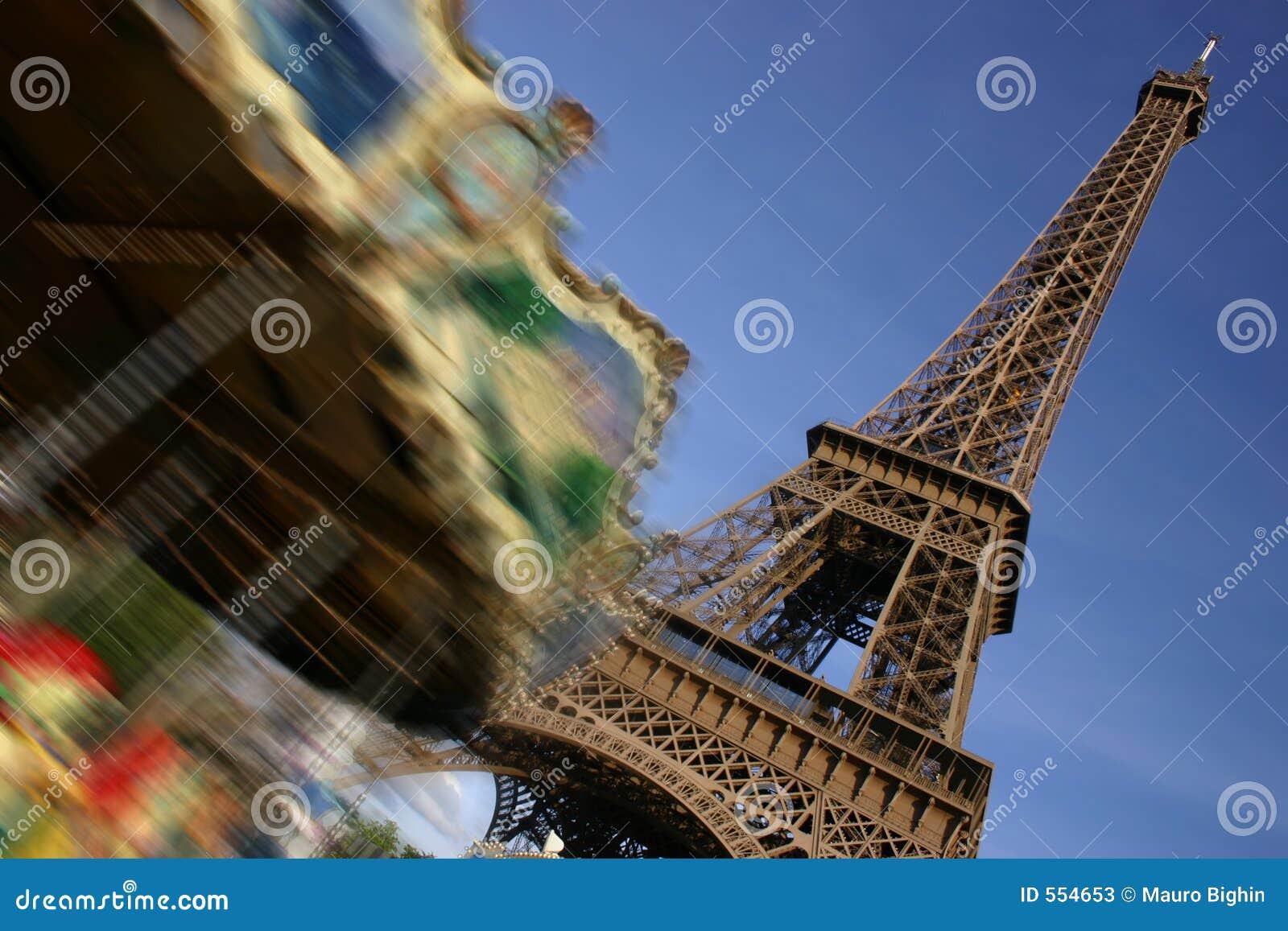Eiffel идет веселая moving башня paris круглая