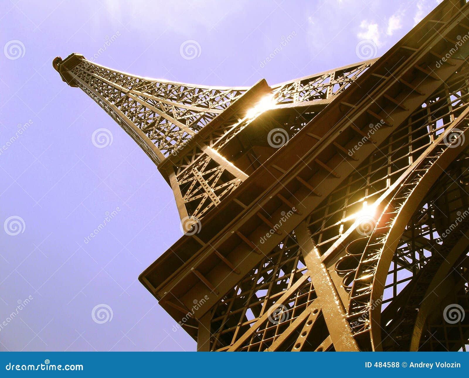 Eiffel меньшяя башня