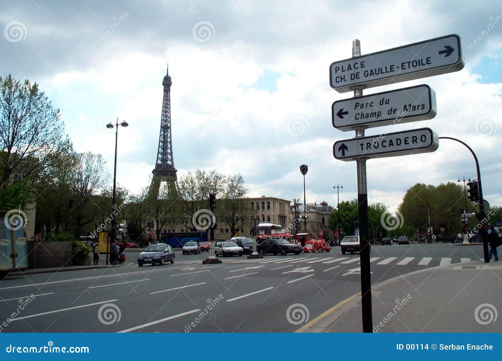 Eiffel skyline 2